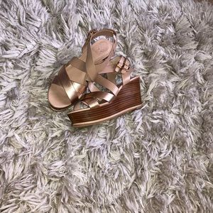 Vince Camuto wedged sandals